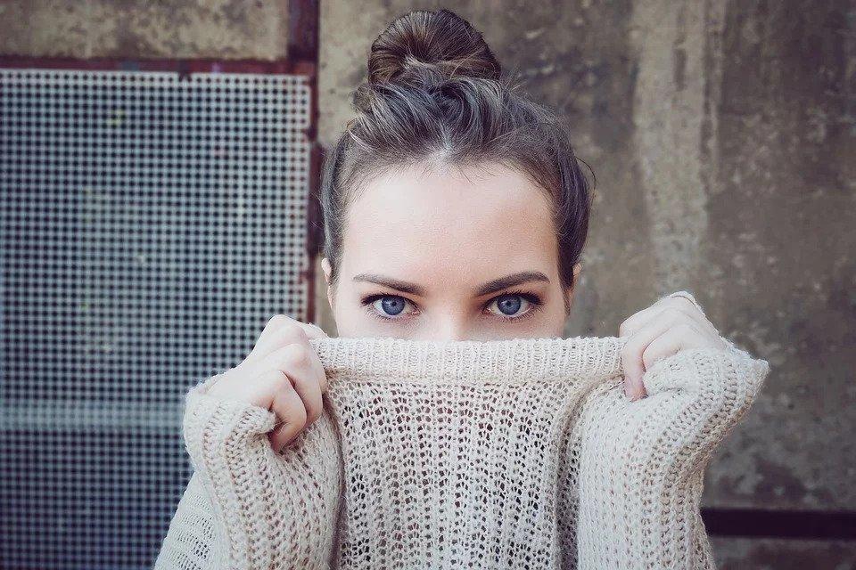 Reducir bolsas de los ojos